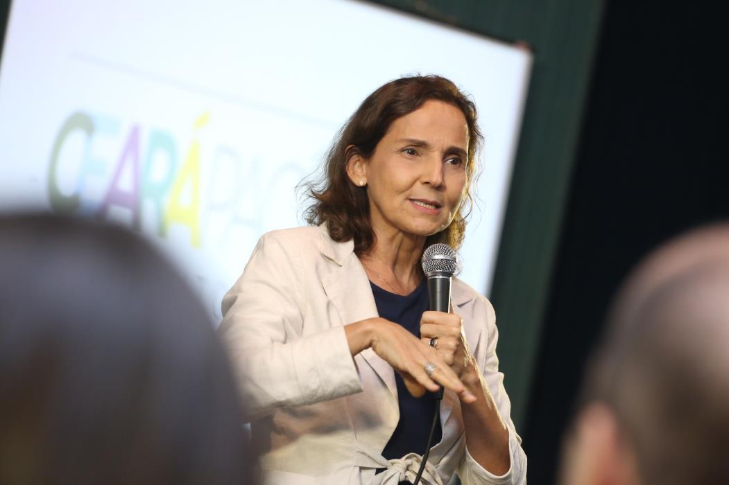 FORTALEZA, CE, 27-06-2016: Isolda Cela, Vice Governadora do Estado do Ceará. (Foto: Camila de Almeida/O POVO)
