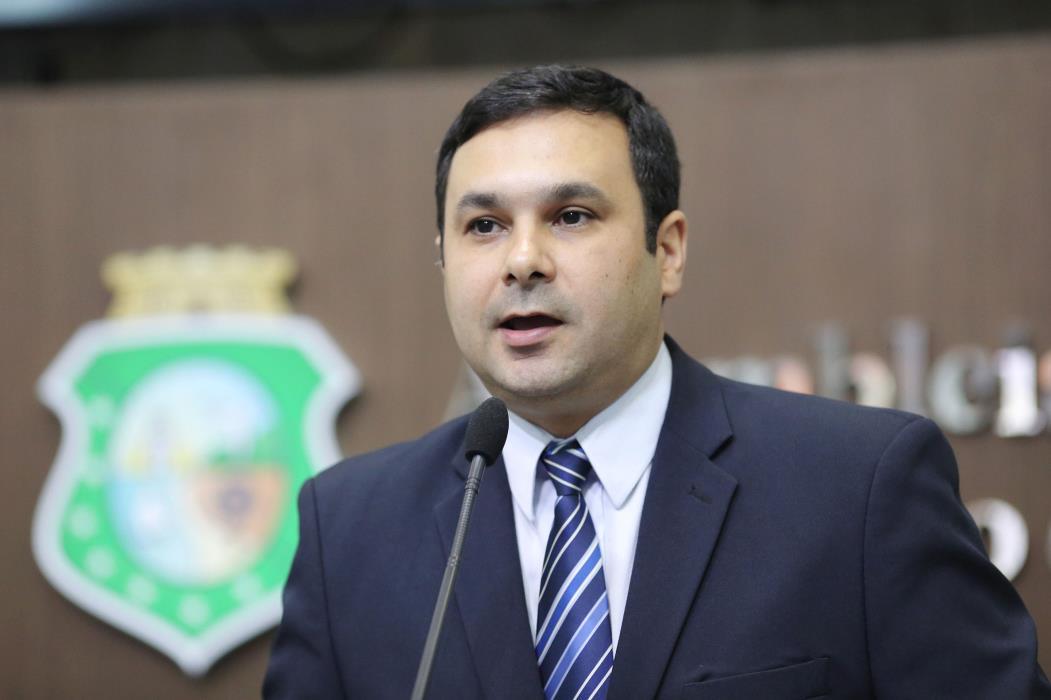 Deputado George Valentim - pcdob - plenario. (Foto: Maximo Moura/Assembléia Legislativa)