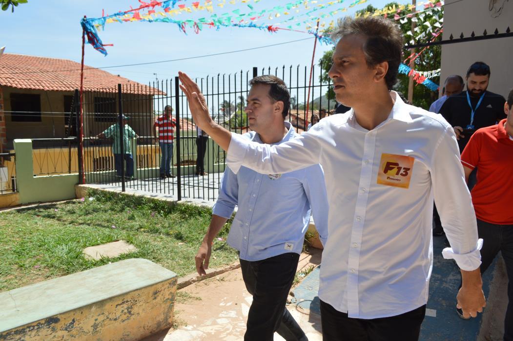 Em 2016, Fernando Santana teve Camilo Santana como principal apoio político na disputa em Barbalha, cidade natal do governador (Foto: Carlos Lourenço/Especial para O POVO)