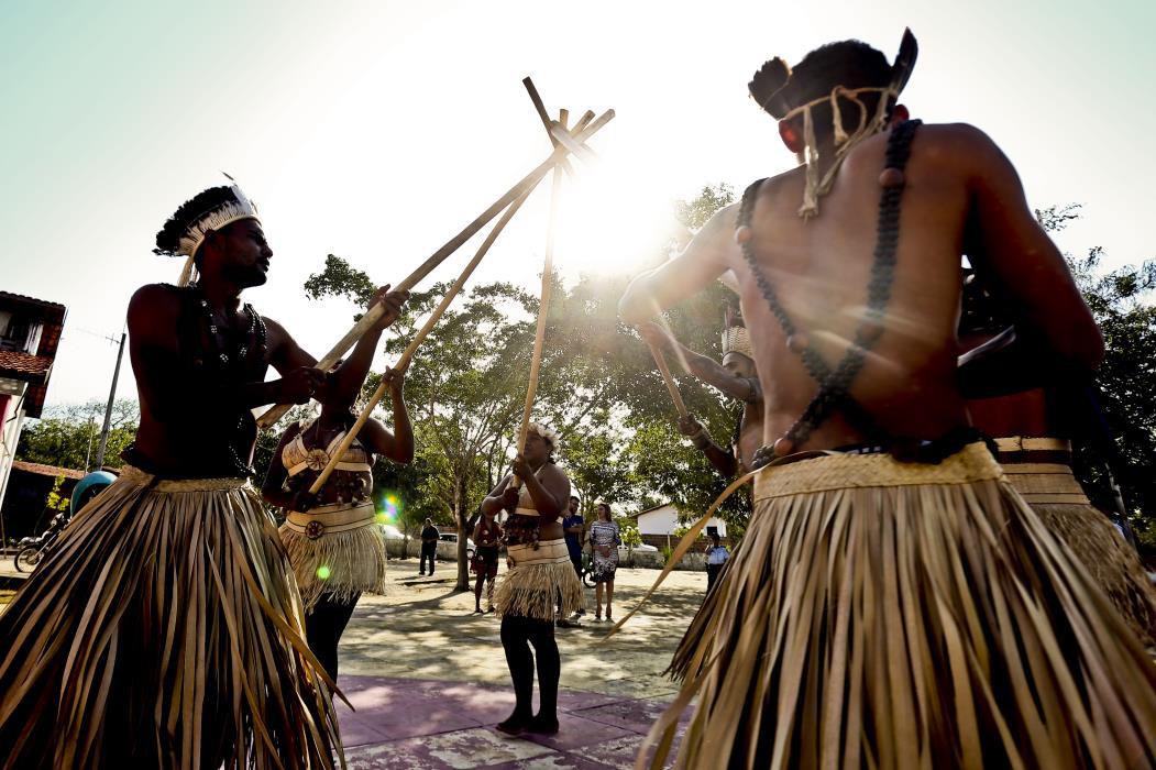 Índios tapebas durante cerimônia na aldeia. Atendimento da saúde indígena deve ser definida pelo Governo Federal