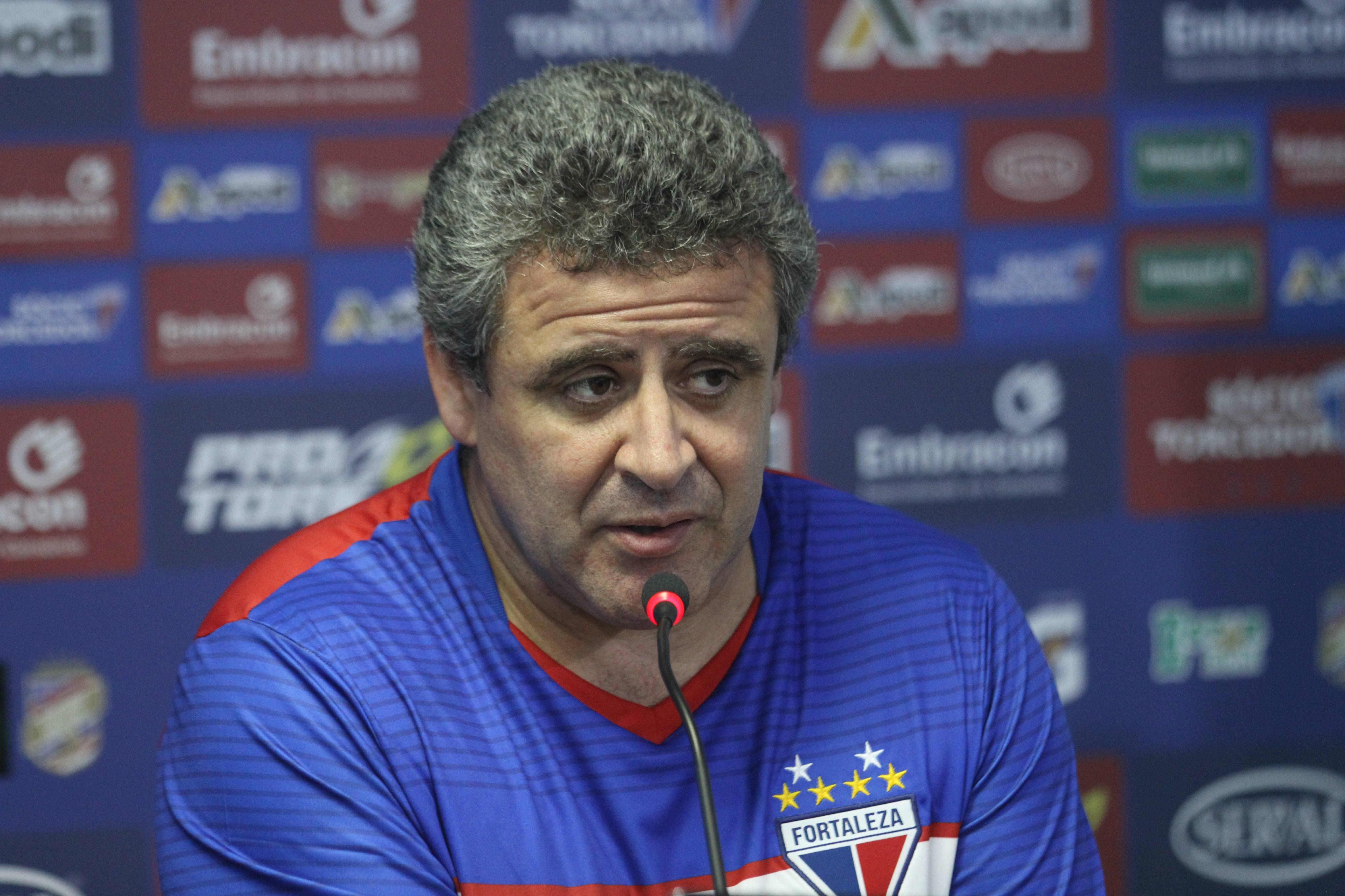 Edson Palomares revelou que o departamento físico fará live com os jogadores no sábado