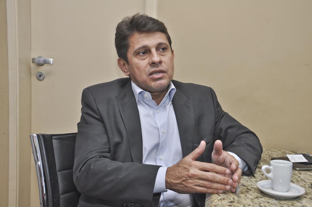 Hélio Winston Leitão, presidente da Agência reguladora de serviços públicos delegados do Estado do Ceará).   (Mariana Parente/ Especial para O POVO)