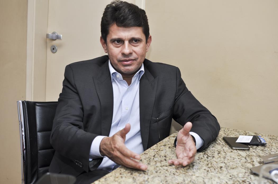 Hélio Winston é o presidente da Agência Reguladora de Serviços Públicos Delegados do Ceará).   (Foto - Mariana Parente/ Especial para O POVO) (Foto: MARIANA PARENTE)