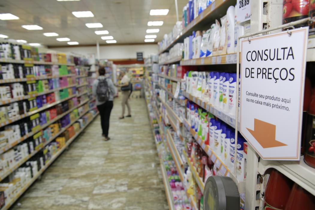 FORTALEZA, CE, BRASIL, 07-04-2017: Inflação em Fortaleza, sensação dos cidadãos no fim do mês. (Júlio Caesar/O POVO)