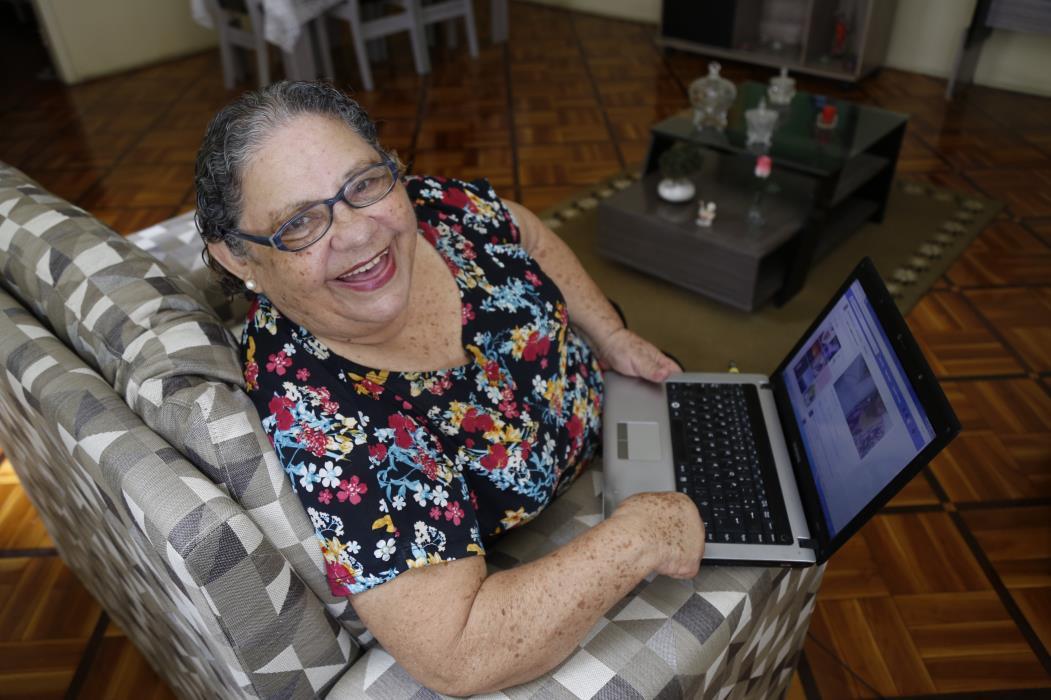 Recomendação é que os idosos, grupo de risco da covid-19, fiquem em casa durante a quarentena. (Foto: TATIANA FORTES)
