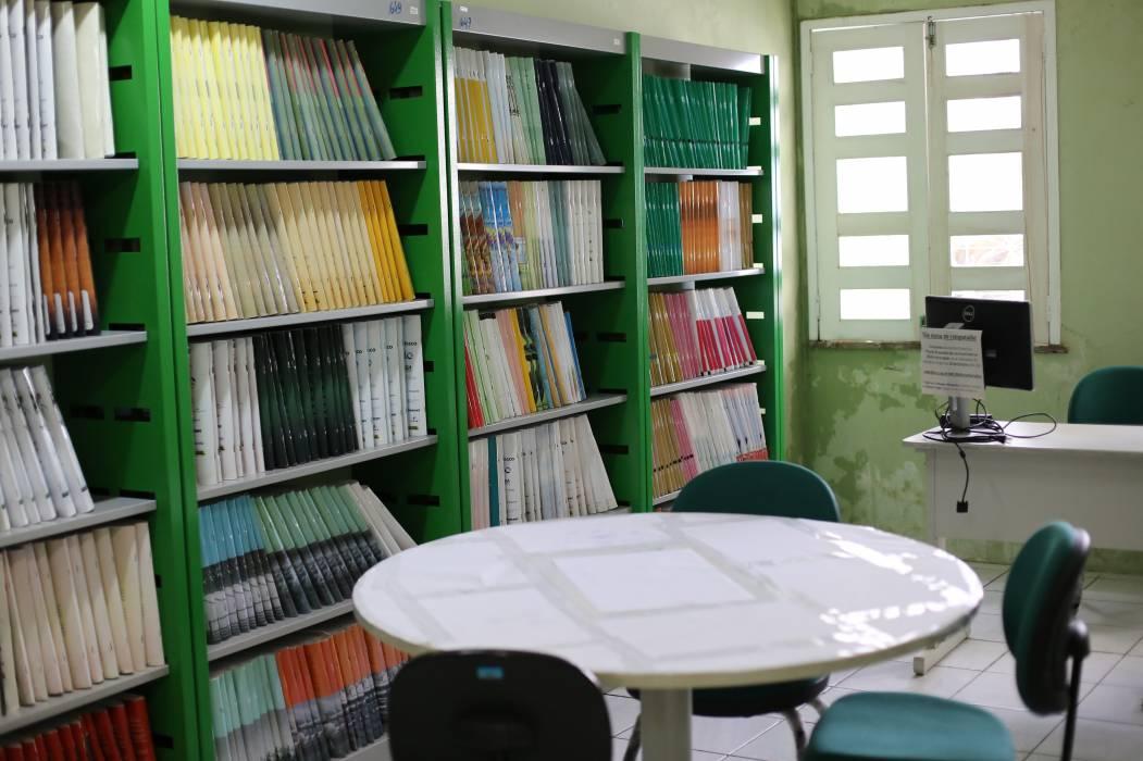 FORTALEZA, CE, BRASIL, 05-06-2017 : Biblioteca Dolor Barreira, Av. da Universidade. (Foto: Fabio Lima/O POVO)