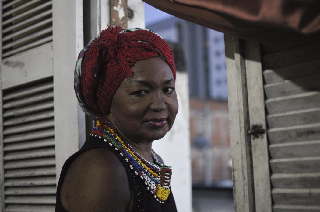 FORTALEZA, CE, BRASIL, 20-06-2017: Thina Rodrigues, travesti pioneira do Ceará. Entrevista  (Foto: Mariana Parente/ Especial para O POVO)