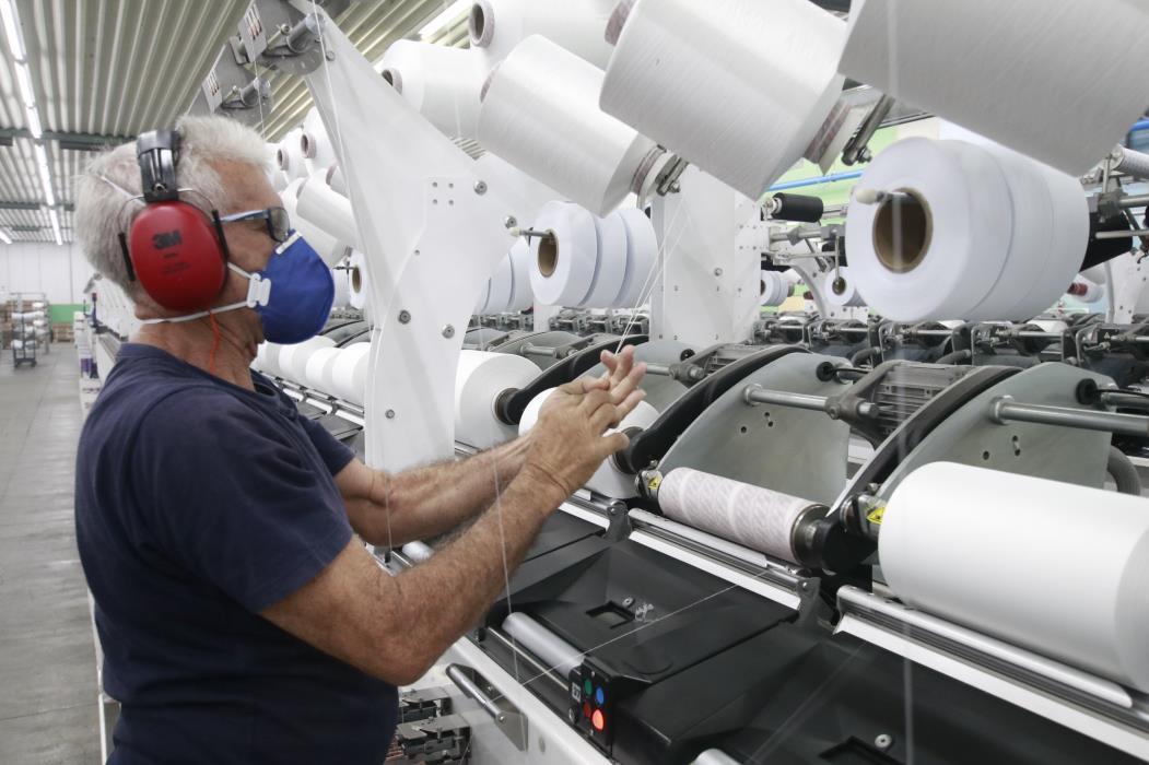 Menos de 10% das empresas do Estado contribuíram para a redução dos danos ambientais. (Foto: Júlio Caesar/O POVO)