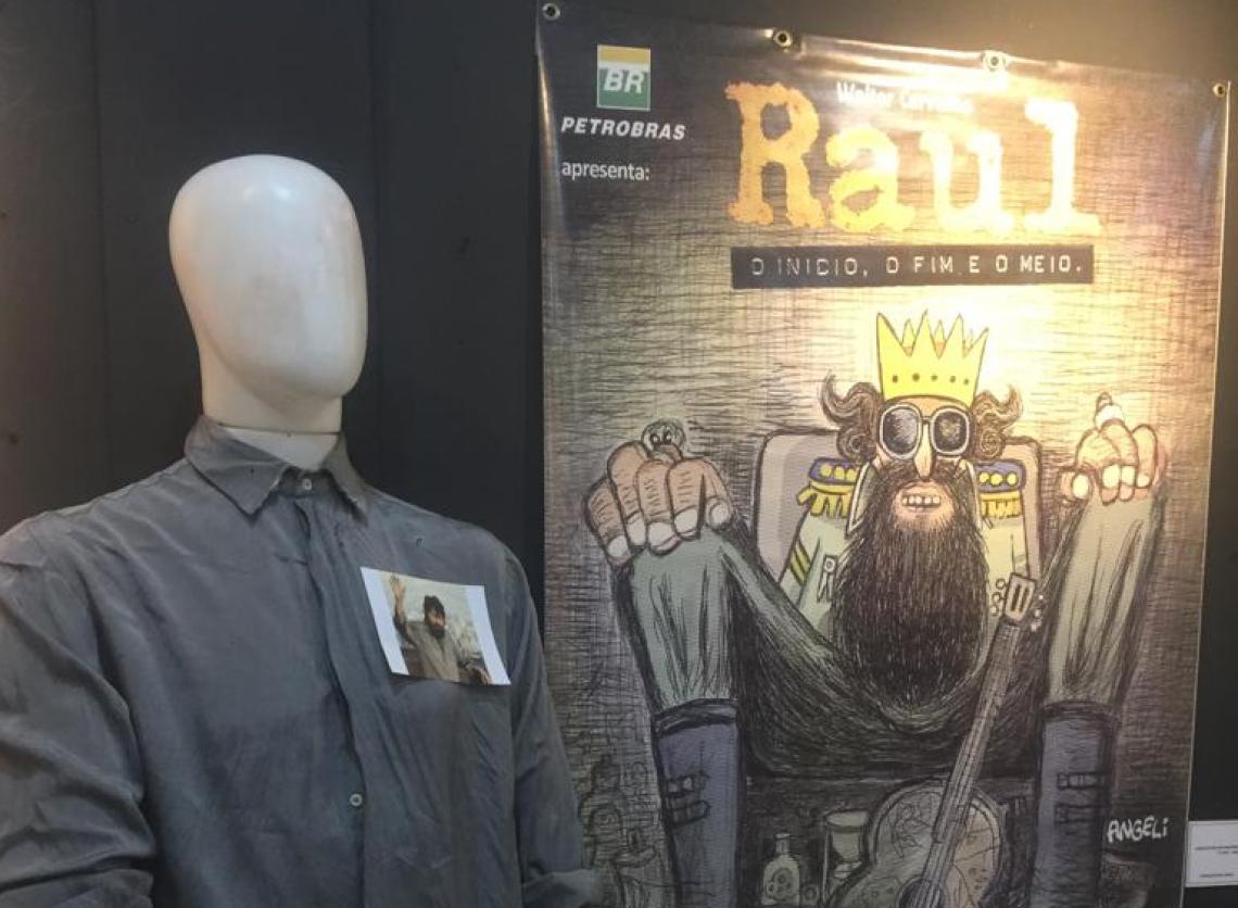 Exposição inclui última camisa usada por Raul Seixas em apresentação