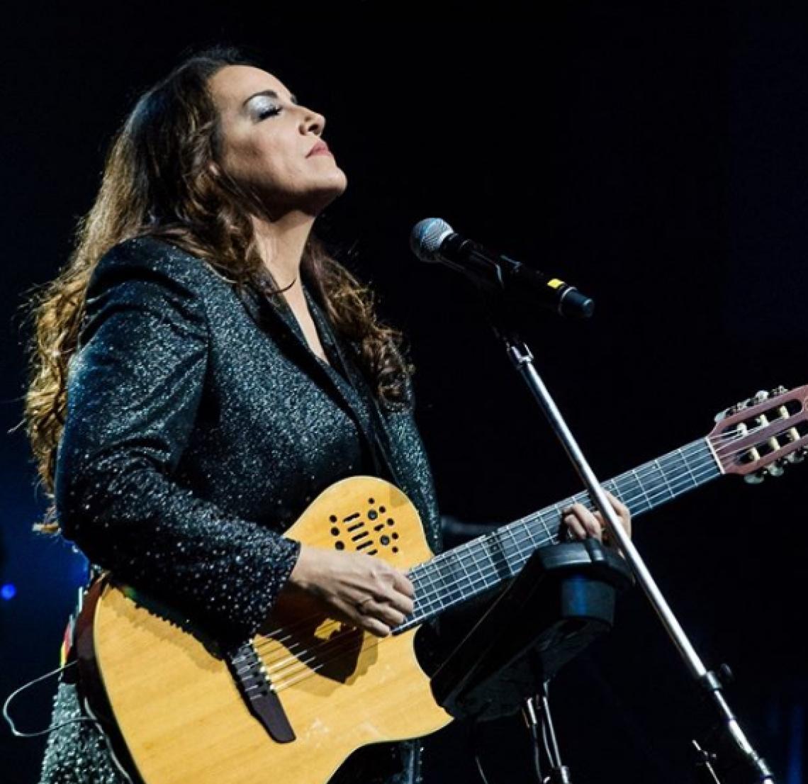 Ana Carolina adia show em Fortaleza para 2020.