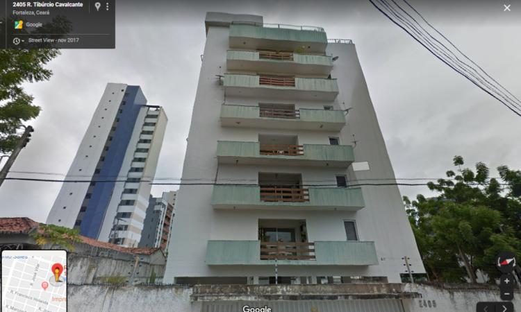 O prédio fica na rua Tibúrcio Cavalcante