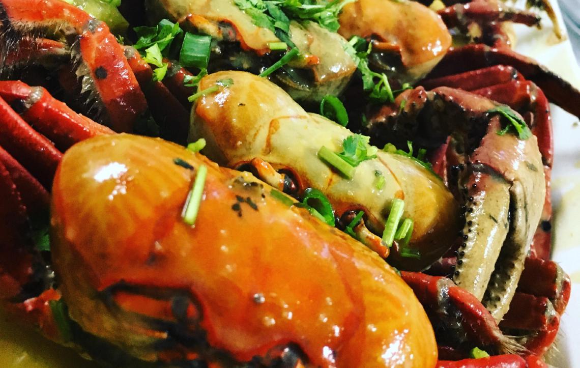 O Bar da Varjota vende a unidade de caranguejo a R$ 1,99 às quintas-feiras