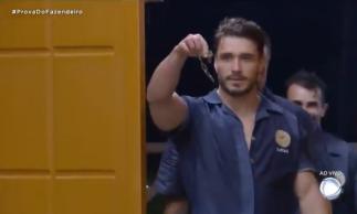 Lucas Viana vence prova e se conquista chapéu de fazendeiro pela segunda vez em A Fazenda 11.