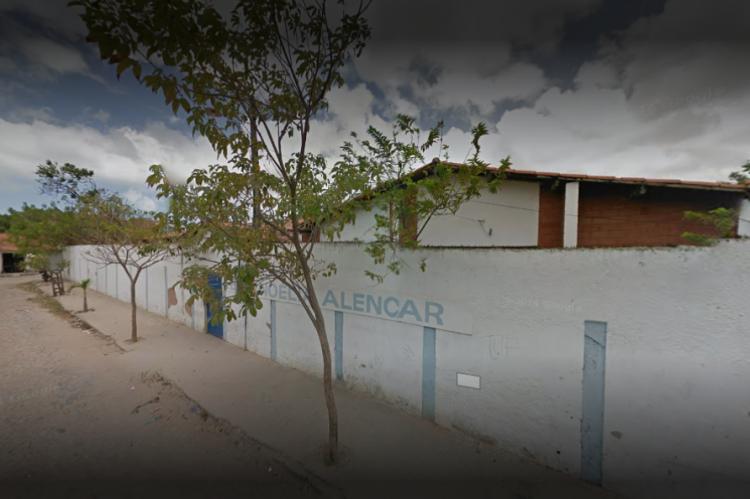 O procurado invadiu a escola em horário letivo