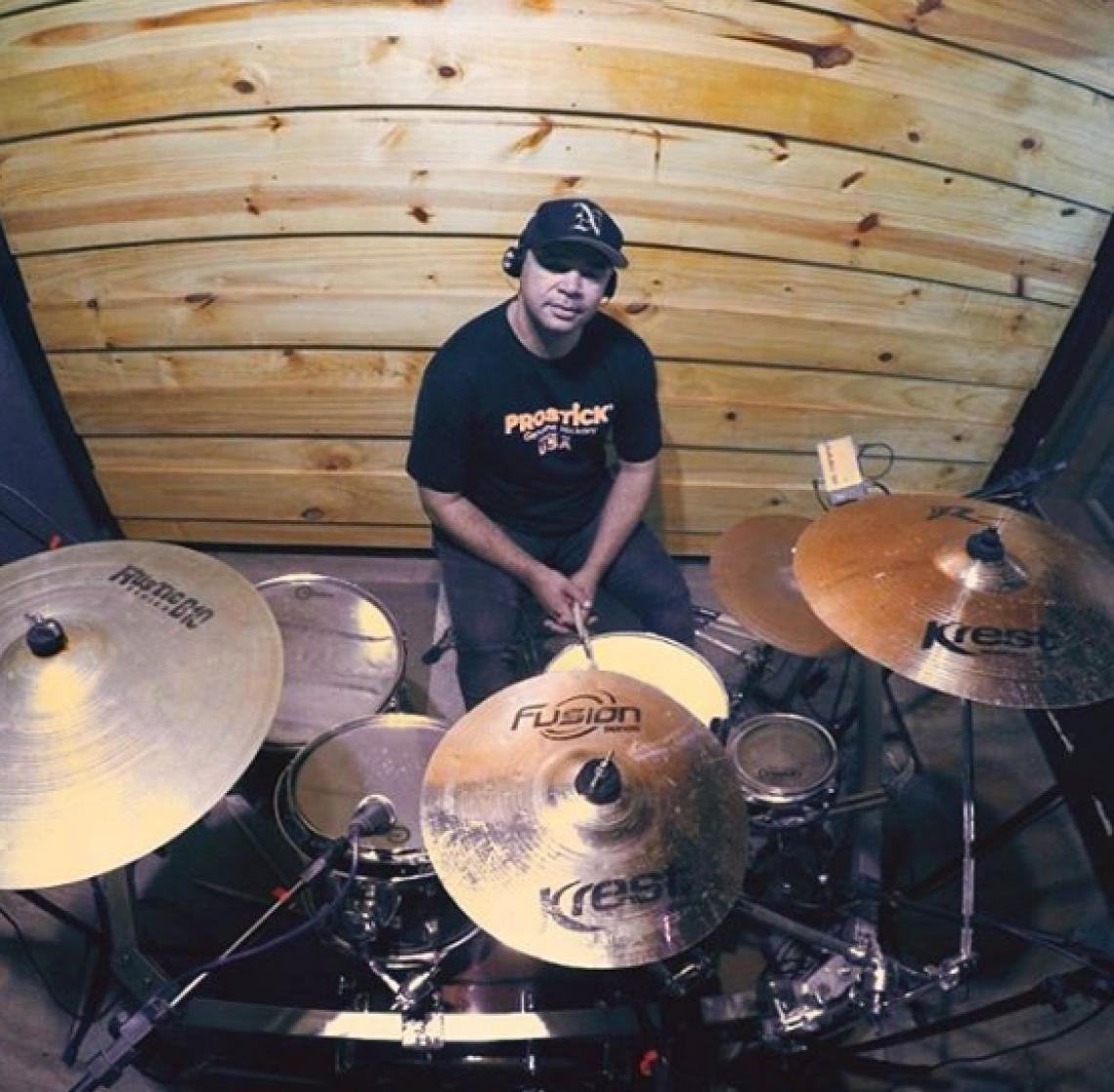 Riquelme, ex-baterista da banda Aviões do Forró