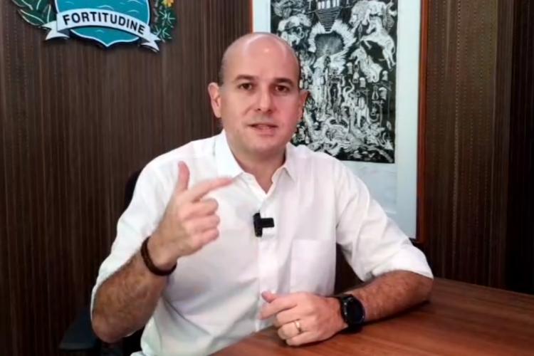 Roberto Cláudio em live nesta sexta-feira, 3 (Foto: Reprodução/Facebook)