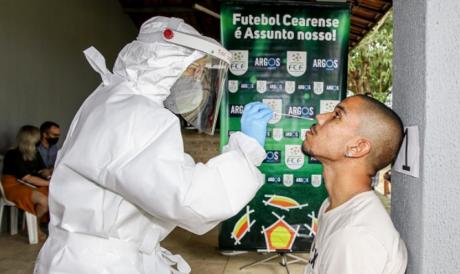 Atletas do Guarany realizaram testes no estádio Franzé Morais, em Itaitinga