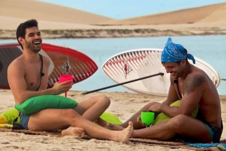 Casal foi formado no novo episódio do reality, exibido na última quinta-feira, 16 (Foto: Reprodução/MTV)