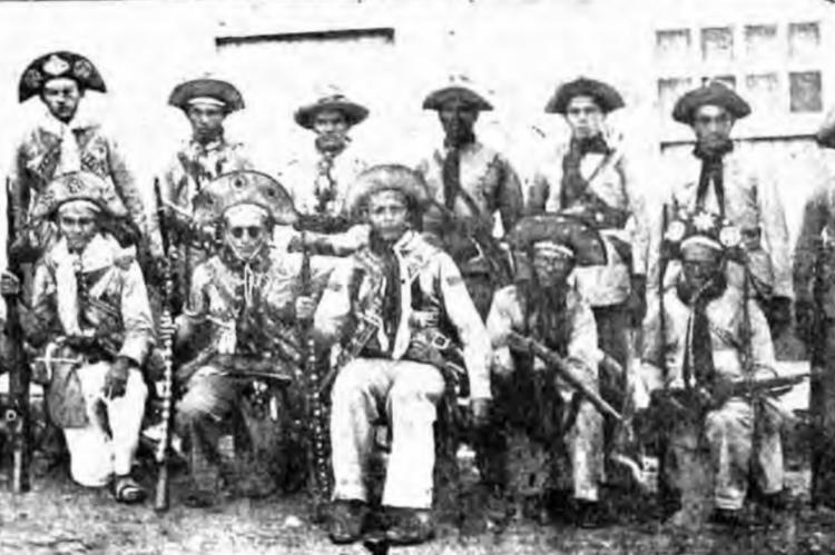 Volante do sargento Aniceto Rodrigues, que participou da ação que matou Lampião, subordinada ao tenente João Bezerra. Aniceto está ao centro
