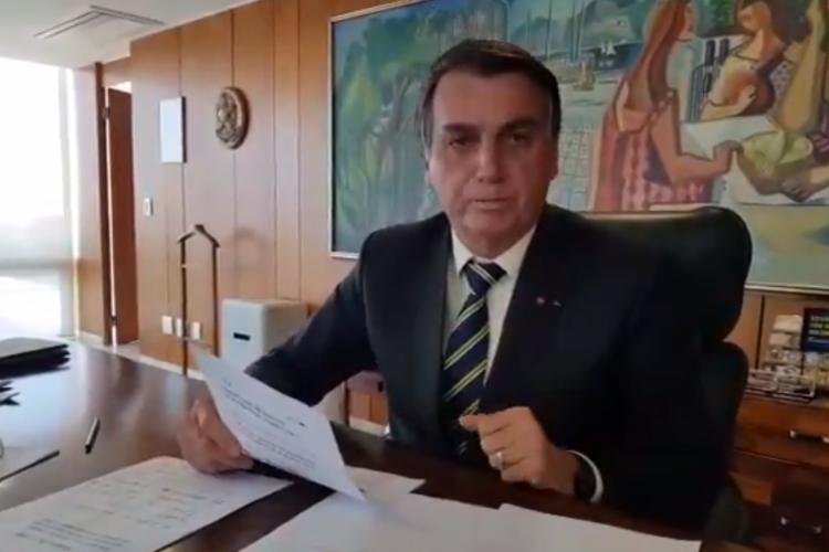 Bolsonaro diz que não se falará mais em Renda Brasil no governo dele e será mantido Bolsa Família (Foto: REPRODUÇÃO/TWITTER)