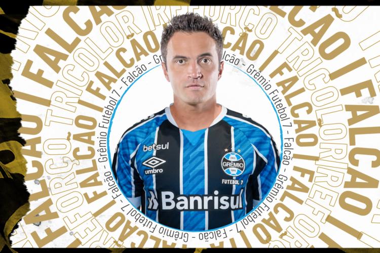 Com a camisa do Grêmio, Falcão estreia na Liga Fut7 Nacional (Foto: )