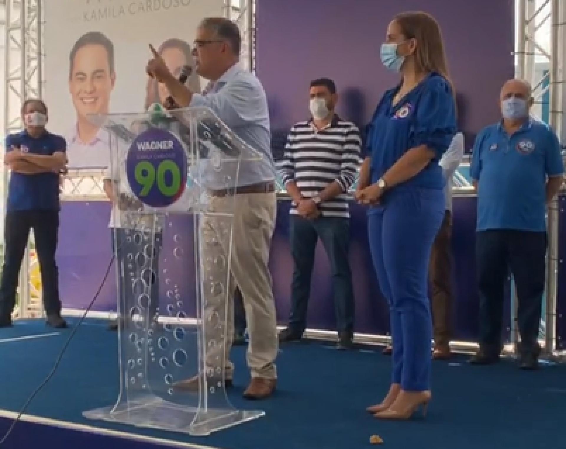 Luis Eduardo Girão e a vice de Capitão Wagner, Kamila Cardoso (Foto: REPRODUÇÃO/VÍDEO)