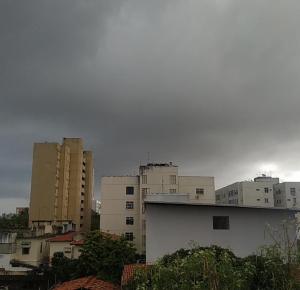 Chuva no começo da manhã desta-segunda-feira, 4