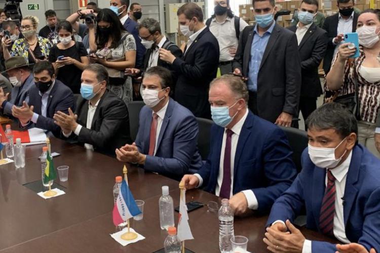 Governador Camilo Santana na reunião na manhã desta segunda-feira, em Guarulhos (SP),para liberação de doses da vacina (Foto: REPRODUÇÃO/TWITTER/CAMILO SANTANA)
