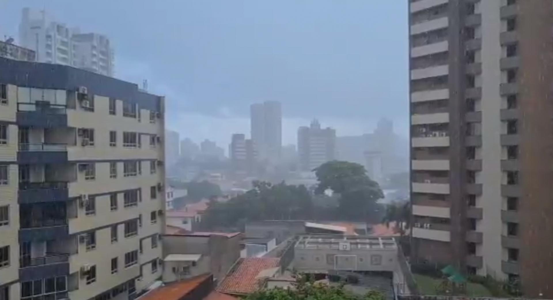 Manhã de chuva em Fortaleza em 12 de fevereiro de 2021