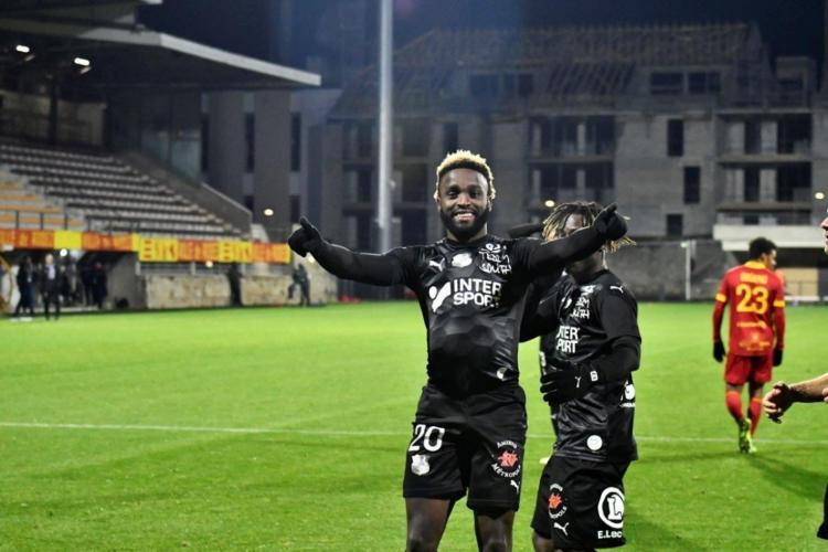 Jogador tem atuado na segunda divisão da França com o Amiens  (Foto: Divulgação/Amiens)