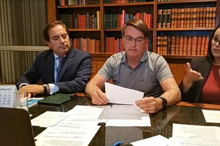Bolsonaro: novo auxílio deve voltar em março, com parcelas de R$ 250 (Foto: )