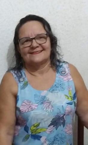 Maria Lucineide Maciel, 58, recebeu alta médica em duas UPAs antes de ser internada por complicações da Covid-19 (Foto: Arquivo pessoal)