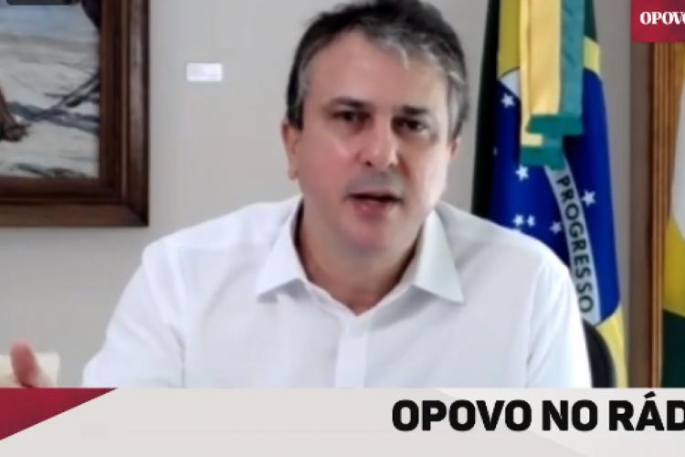 Governador Camilo Santana destacou, em entrevista à Rádio O POVO CBN, nesta quinta-feira, 6 de maio de 2021, que a segunda onda da pandemia foi mais agressiva  (Foto: Reprodução / Facebook)