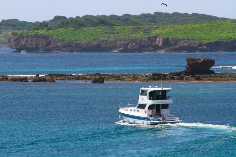 Lancha pode chegar ao Ceará nos próximos dias. Alertas já foram emitidos pela Marinha brasileira (Foto: Divulgação/Embarcação Maria Bonita)