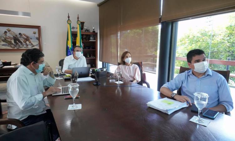Secretário Cabeto, governador Camilo Santana, vice Izolda Cela e secretário da Casa Civil, Chagas Vieira (Foto: REPRODUÇÃO/FACEBOOK CAMILO SANTANA)