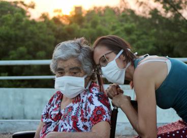 Projeto da Casa de Cuidados do Ceará leva pacientes para assistir ao pôr do sol