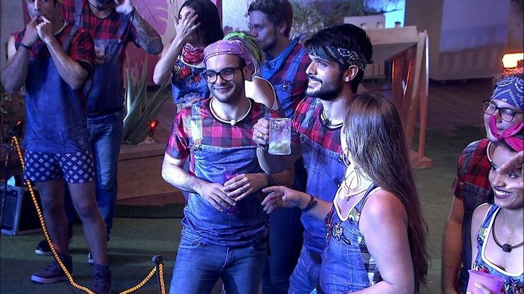 Lucas e brothers na festa de ontem