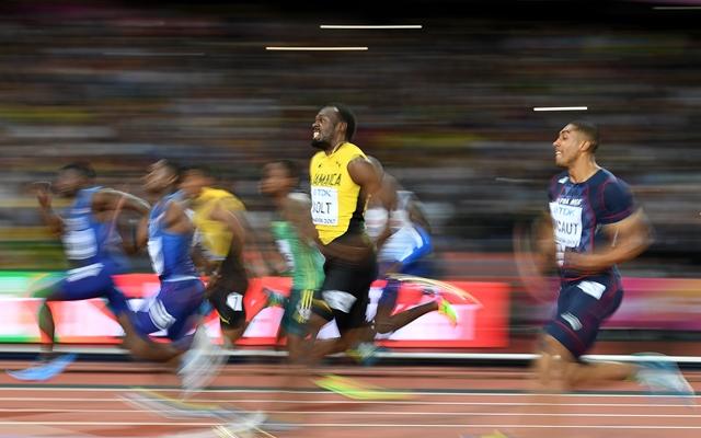 Usain Bolt corre a final dos 100 metros no Mundial de Atletismo