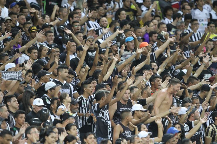 Torcida do Ceará no estádio Castelão