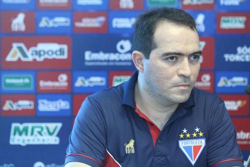 Marcelo Paz disse que Rogério Ceni nunca está 100% satisfeito, mas que isso não é problema (Foto: Mateus Dantas)