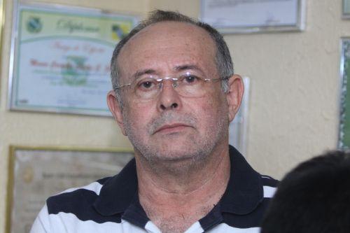 Rosto de Raimundo Pinheiro, vice-presidente do Ceará, sério