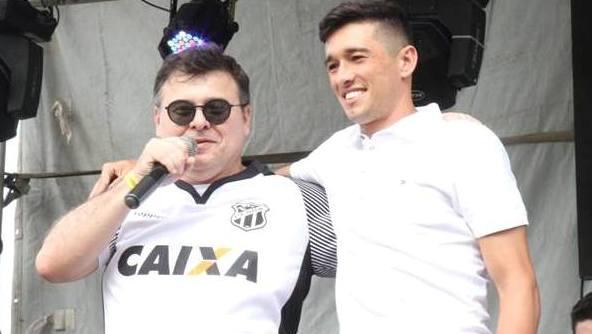 Carille relaciona Juninho Capixaba e Mateus Vital no Corinthians