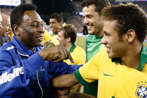Pelé diz que Neymar já é o melhor