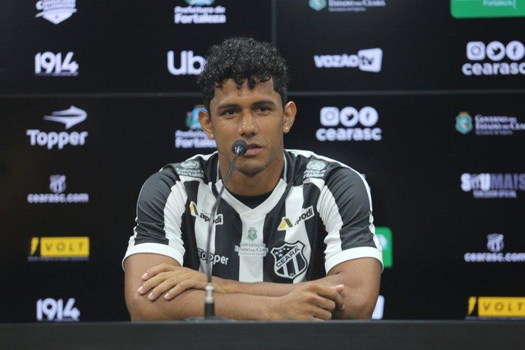 Fernando Sobral garante se adaptar bem a todas as posições do meio campo