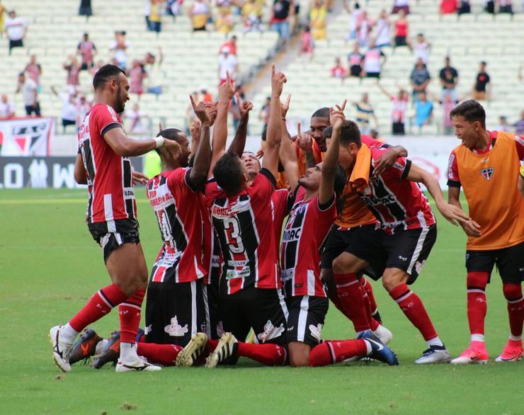 1f98958fd1d3c Ferroviário bate Ceará em jogo morno e fica com o título da Taça dos ...