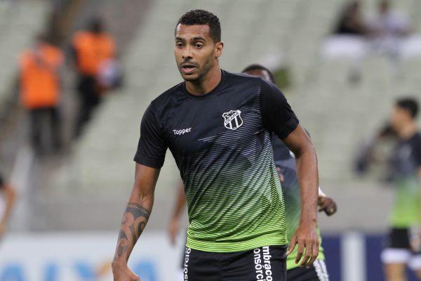 Titular no ataque do Vovô, Élton é esperança de gols da torcida alvinegra.