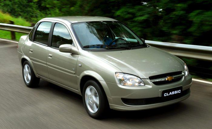 Chevrolet Classic em estrada (Foto: GM/Divulgação)