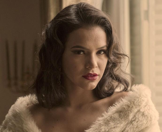 Foto de Bruna Marquezine nos bastidores da série ''Nada Será como Antes''