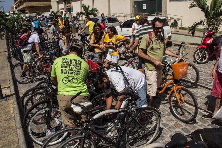 Usuários de bicicletas em foto de divulgação do evento
