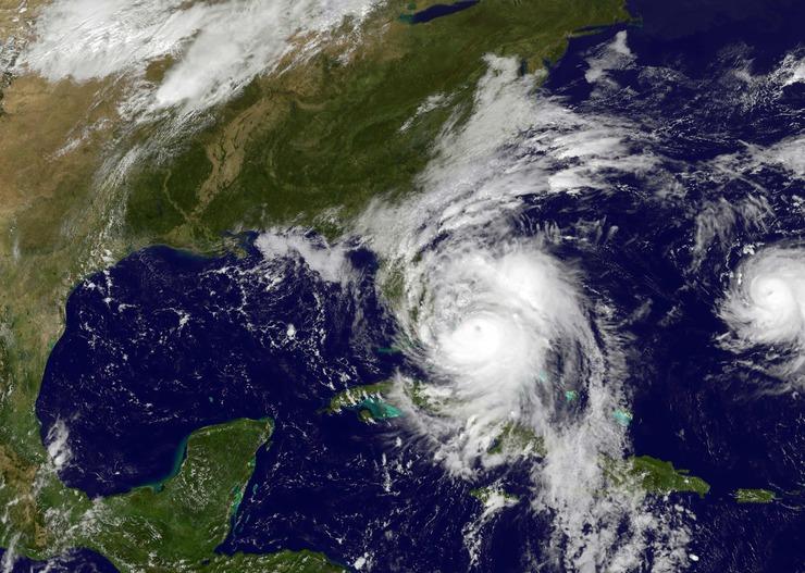Imagens meteorológicas do furacão chegando nos estado da Flórida
